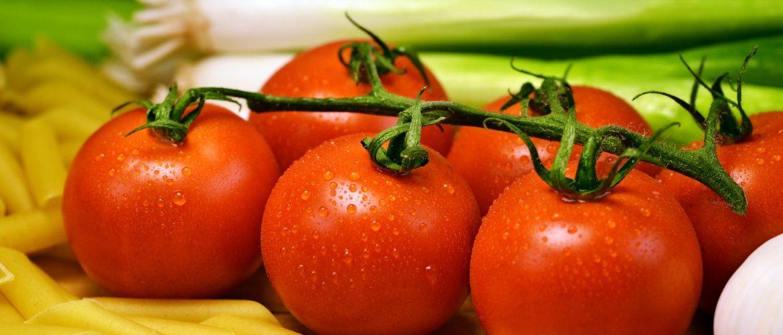 tomatoes-1114066_1920